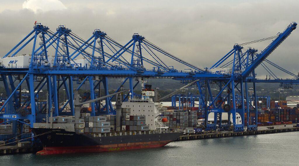 China Buys Panama's Largest Port