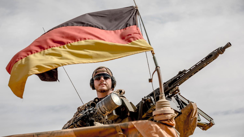 https://www.thetrumpet.com/files/W1siZiIsIjIwMTgvMTEvMjMvNTZsdHhzemJva18xODExMjNfQnVuZGVzd2Vocl9HZXR0eUltYWdlc18xMDYwOTYwNDQyLmpwZyJdXQ/fb5c22b572e9654f/181123-Bundeswehr-GettyImages-1060960442.jpg