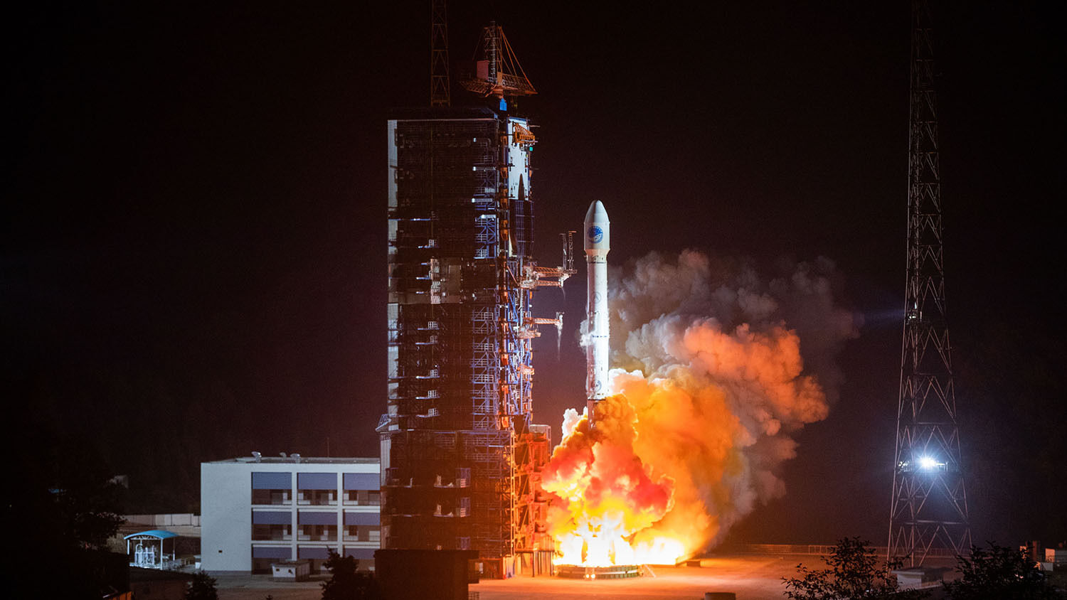 China's lunar probe may land on the moon's far side tonight